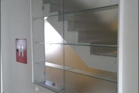 Steklene vetrine in omare